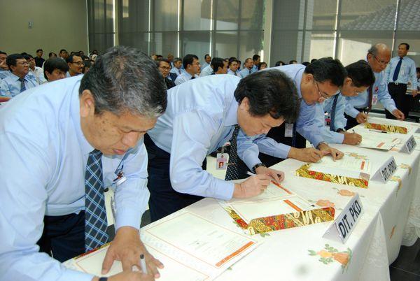 3-penandatanganan-kontrak-kinerja-kemenkeu-two-oleh-pejabat-eselonn-ii
