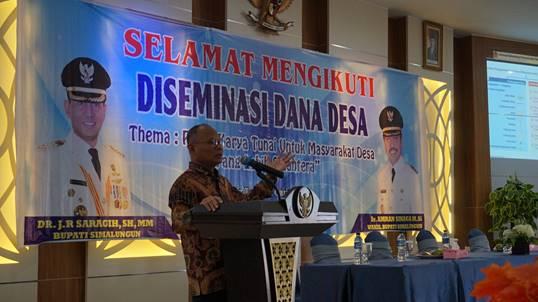 """Direktur Jenderal Perimbangan Keuangan, Bapak Boediarso Teguh Widodo, menyampaikan keynote speech sekaligus membuka secara resmi acara diseminasi."""